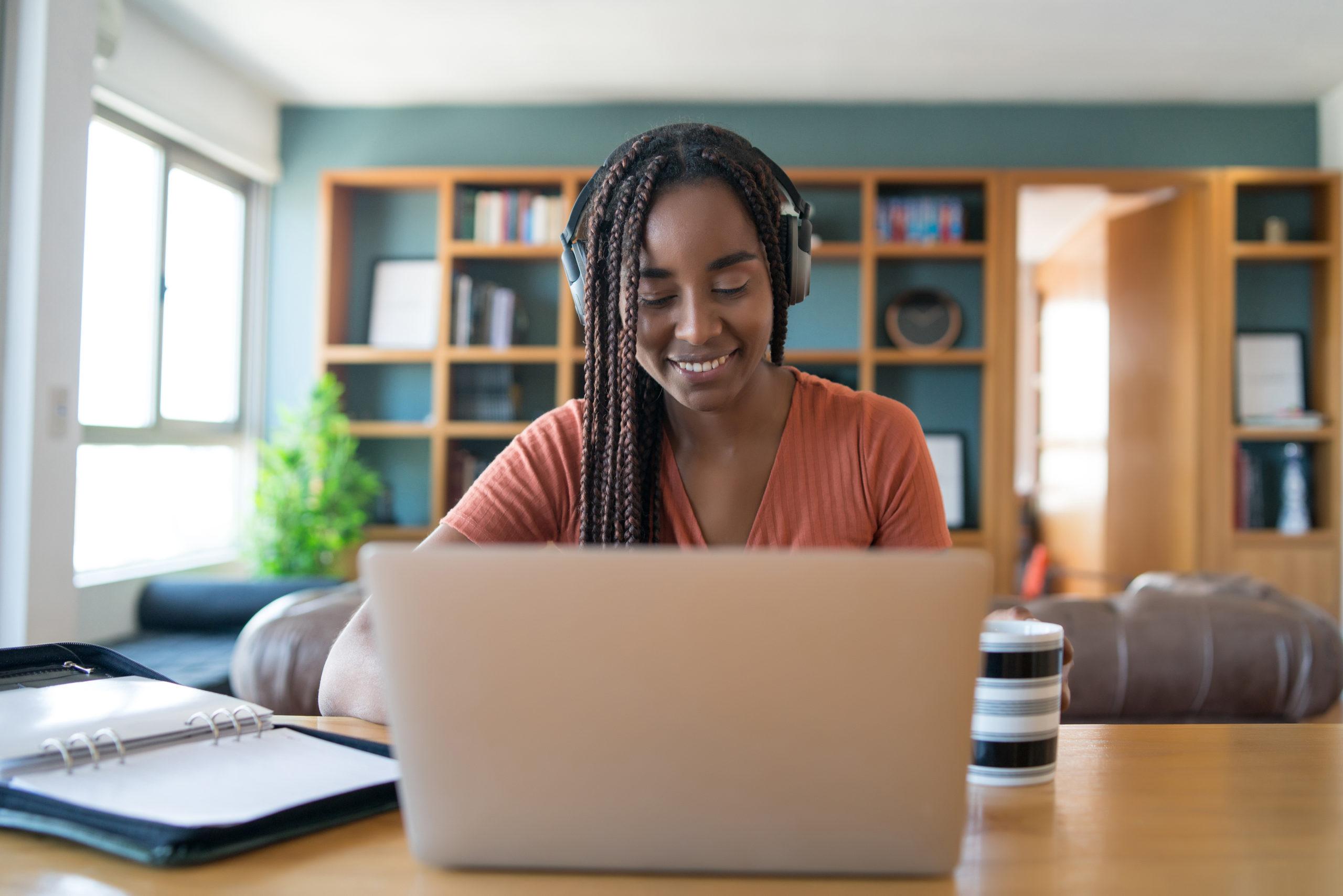 Como criar seu espaço de home office